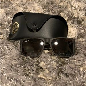 Accessories - Ray Ban sunglasses